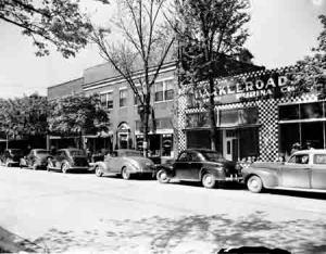100 Block East Market Street, 1946. Photo by Thomas McNeer, Jr.